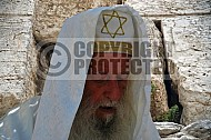 Kotel Man Praying 005