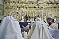 Kotel Man Praying 026