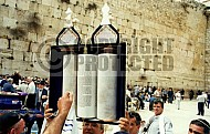 Kotel Torah Praying 033