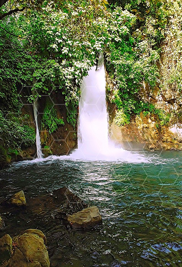 Banyas Waterfall 004