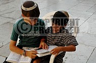 Children Praying 0008