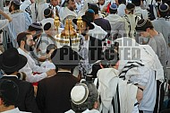 Kotel Torah Praying 041