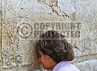 Kotel Women Praying 074