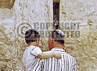 Kotel Man Praying 044