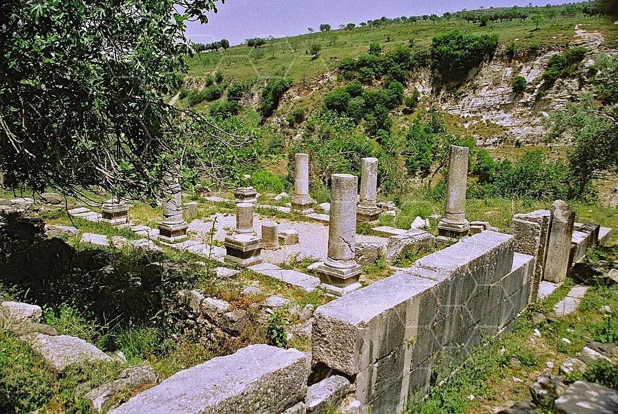 Gush Halav Synagogue 0001