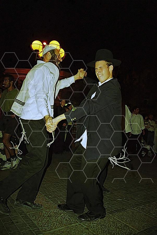 Dancing 025