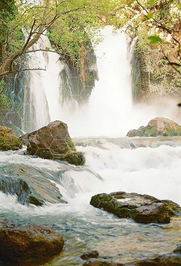 Banyas Waterfall 006