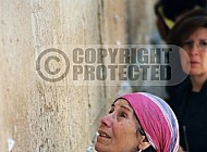 Kotel Women Praying 004