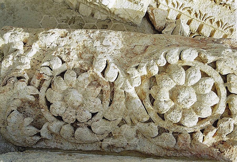 Beit She'an Roman Column 005