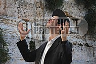 Kotel Man Praying 013