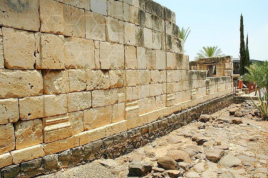Kfar Nachum - Capernaum Synagogue 010