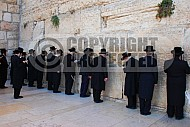 Kotel Man Praying 022