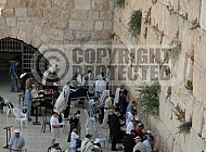Kotel Man Praying 020