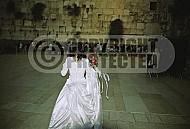 Kotel Women Praying 062