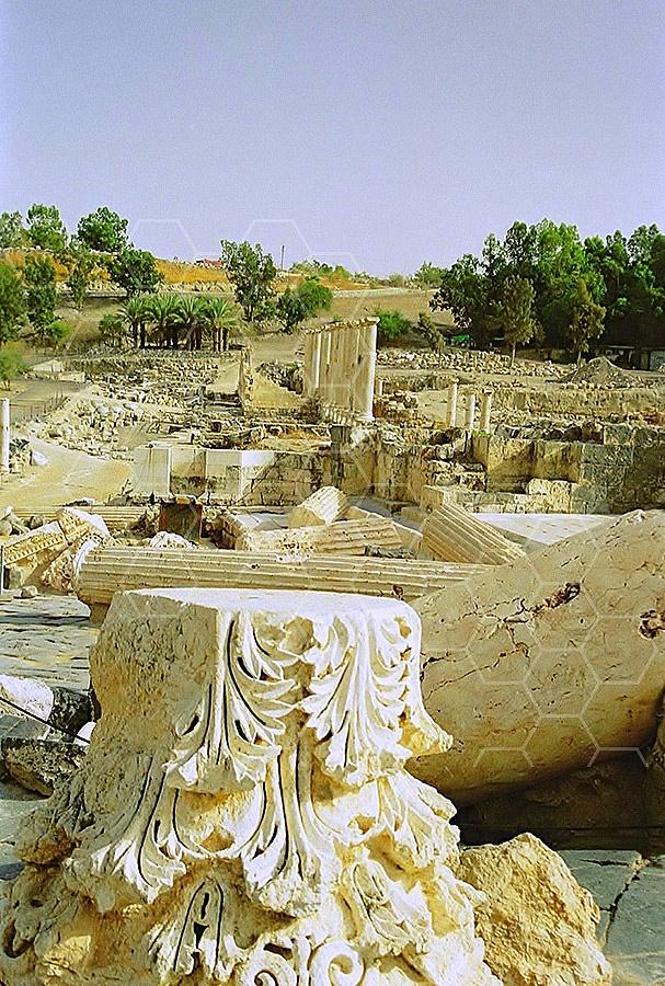 Beit She'an Roman Column 002