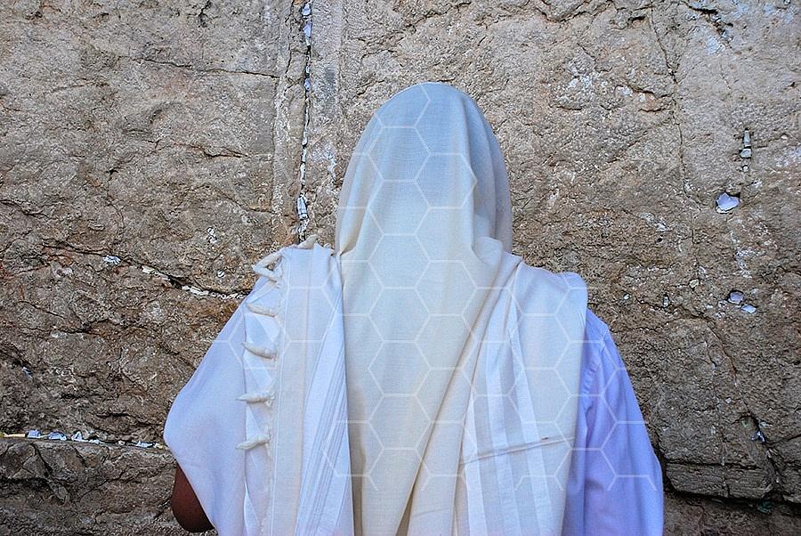 Kotel Man Praying 010