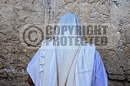 Kotel Man Praying 010