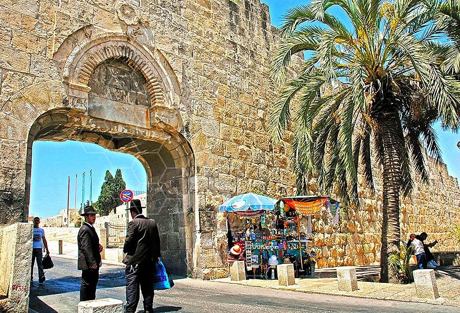 Jerusalem Old City Dung Gate 005