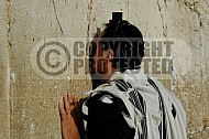 Kotel Man Praying 046