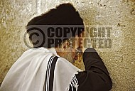 Kotel Man Praying 018
