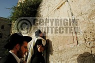 Kotel Man Praying 041