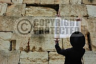 Kotel Torah Praying 002