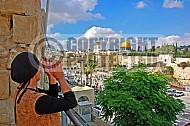 Kotel Women Praying 045