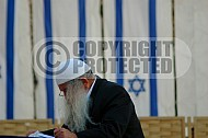 Kotel Man Praying 039