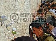 Kotel Women Praying 016