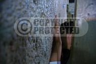 Kotel Women Praying 043