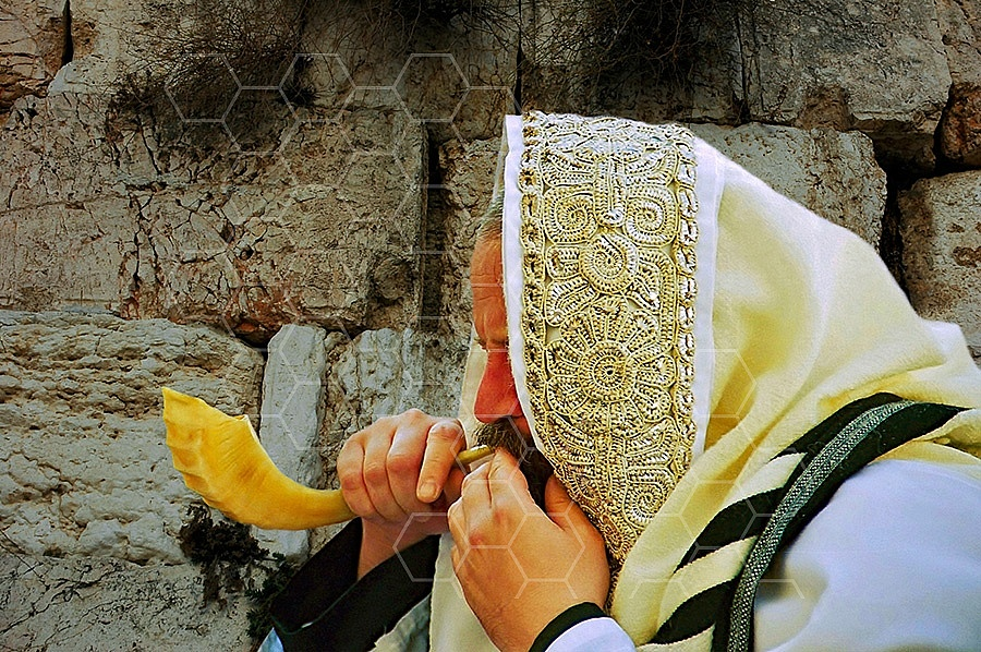 Kotel Blowing The Shofarf 001