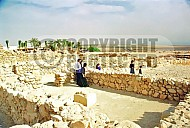 Qumran Rooms 009