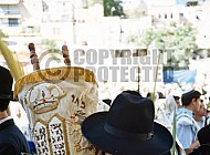 Kotel Torah Praying 021