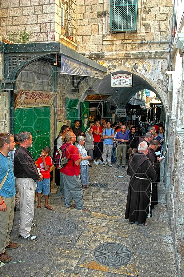 Jerusalem Via Dolorosa Station 6 - 019