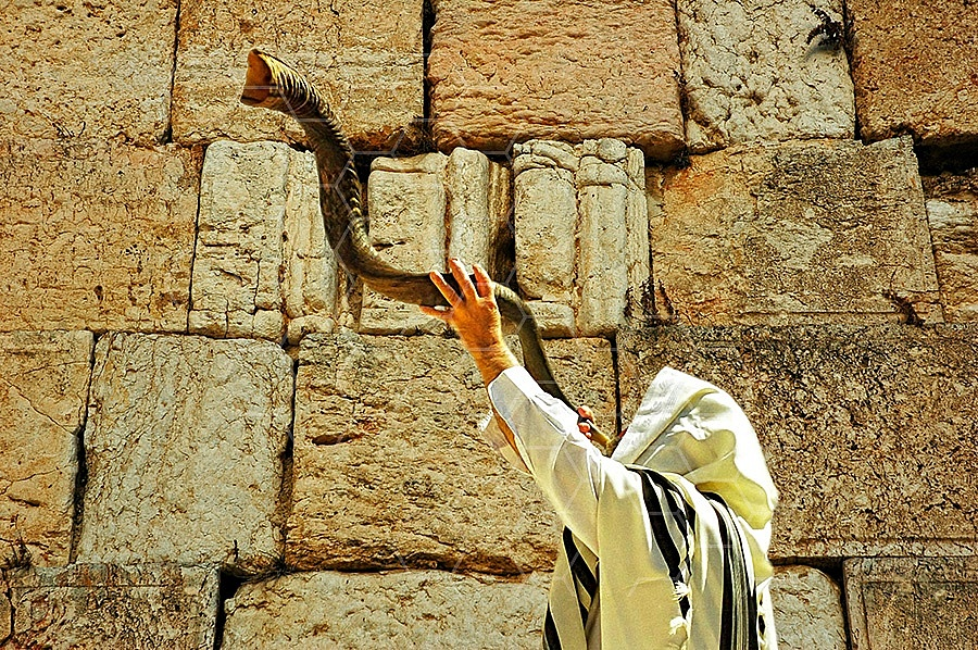 Kotel Blowing The Shofarf 006