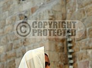 Kotel Man Praying 048