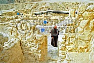 Qumran Rooms 015