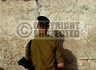 Kotel Soldier Praying 0014
