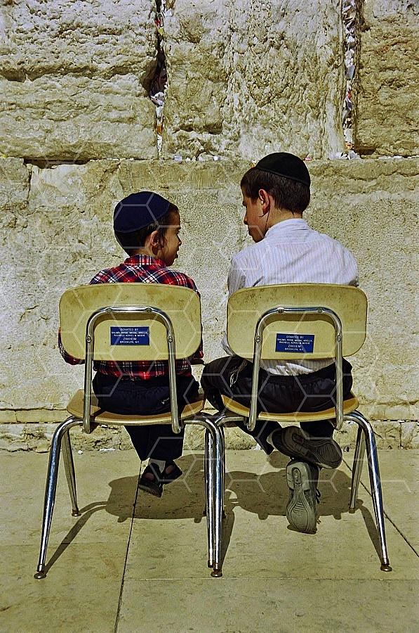 Children Praying 0016a