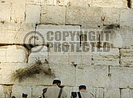 Kotel Soldier Praying 034