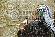 Kotel Women Praying 057