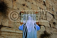 Kotel Torah Praying 001