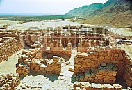 Qumran Rooms 016