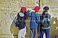 Kotel Children Praying 009