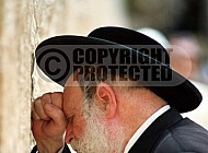 Kotel Man Praying 028