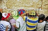 Children Praying 0012