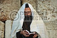 Kotel Man Praying 006