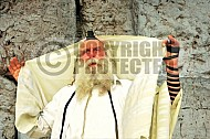 Kotel Man Praying 003