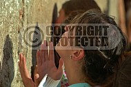 Kotel Women Praying 034