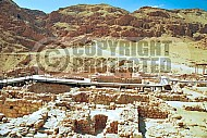 Qumran Rooms 005